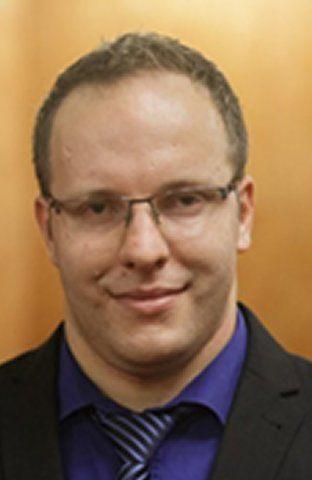dr. Peter Rodič